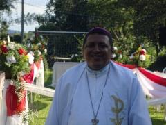 Sant�ario de santo expedito e nossa senhora destadora dos n�s - foto 23