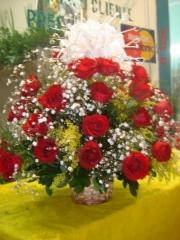 Cesta,pode ser em outras cores e rosas e outras cores de laços