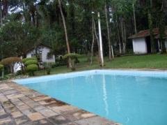 Venda de casa com piscina