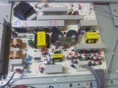 Placa da fonte de uma lcd lg mod: 42lb9rta com defeito nos capacitores