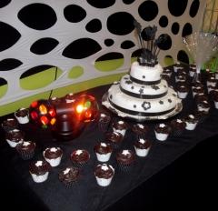 Mesa do bolo decorada, festa de 15 anos!