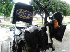 Motocicleta da empresa.
