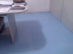 Revestimento epóxi de várias cores para escritórios, galpões e industrias.