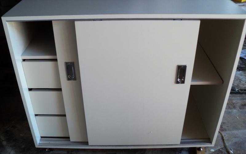 #474298 Foto armário de cozinha em MDF com porta de correr e gaveteiro interno 800x503 px Armario De Cozinha Em Mdf #3010 imagens