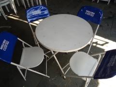 Mesas redondas de aço