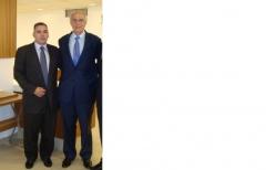 Senador eduardo suplicy recebe diretor da sea engenharia