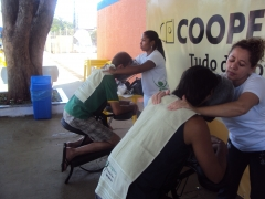 Quick massage no stand da cooperforte promovido pela scalinatta