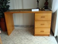 Escrivania de madeira maciÇa com 3 gavetas