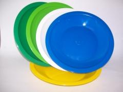 Trabalhamos com pratos e canecas em plastico para escola só nos consultar