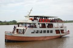 La barca family navio de passeio no pantanal sul