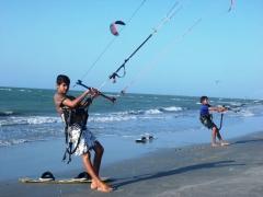 Praia de barra grande, cajueiro da praia-pi. o piauí tem uma das melhores condições de vento para prática de esportes a vela do mundo.