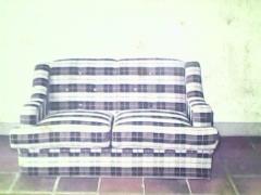 Sofá de 2 lugares em tecido