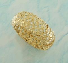 Bracelete dourado com detalhe em strass