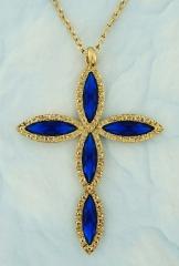 Crucifixo banhado a ouro com navetes azuis.
