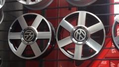 Audi tt aro 15 prata, preta e grafite