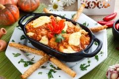 Mineiríssimo - prato concorrente do comida di buteco 2012 - creme de batata, filé de frango dourado ao molho, purê de queijo e palitinhos crocantes de goiabada cascão