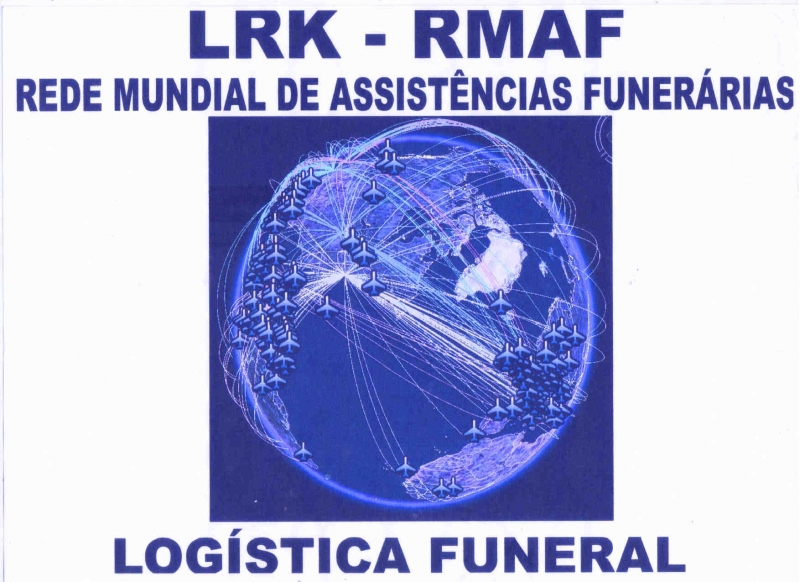 Ronaldo Borges - pres. executivo da Funerária Pax Metropolitana, na sala 1  de mostruário de urnas.