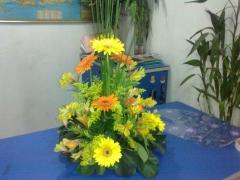 Arranjo floral na mesa