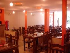 Detalhe do salão e posicionamento das mesas