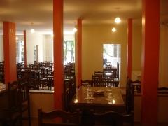 Detalhe do sal�o e acesso a reservado sal�o e varanda 3