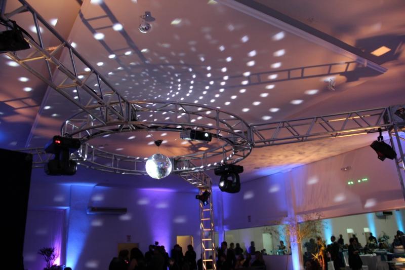 Dj in Sonorização e Iluminação de Eventos.