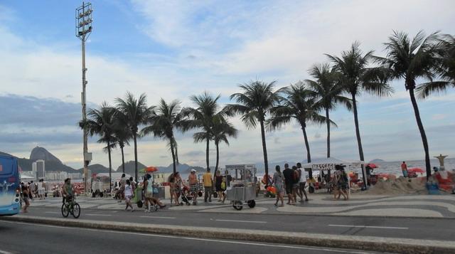 Aluguel de van no Rio de JAneiro Whats app 21 98625-5242 / 21 2467-4462