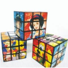 Cubo mágico com imagens do cliente