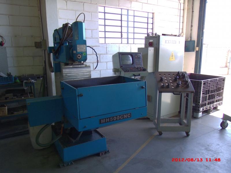 Centro de usinagem Maho 500 CNC