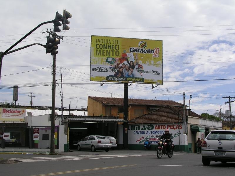 Criação de Campanhas publicitárias, painéis e outdoors.