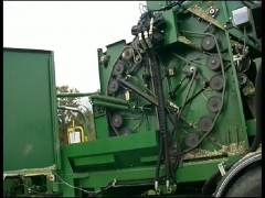 Máquina de silagem de milho e otras culturas - produz 50 ton/h - fardos 960kg