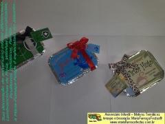 Seu convidado vai receber uma lembrancinha personalizada diferente. saiba mais acessando www.mariafumacafestas.com.br ou www.temasinfantis.com.br. tem dicas de aniversário infantil em www.multidicas.com.br. confira lá...