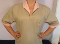 Camisa operacional em brim modelo feminino