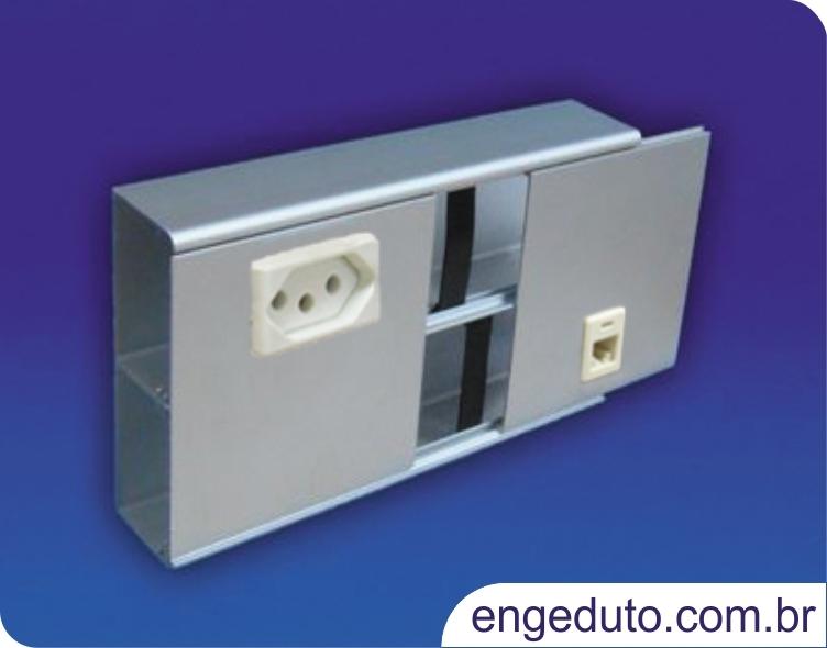 Canaleta em aluminio (111x40mm) com um intersepto centralizado para tomadas elétricas e RJ45. Acabamento: Anodizado Fosco