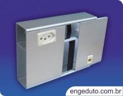 Canaleta aluminio aparente (150x50mm) com um intersepto descentralizado para tomadas elétricas e rj45. acabamento:anodizado fosco