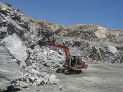 Prd60 desenvolvida para escavadeiras de grande porte, permite fazer furos em qualquer direção