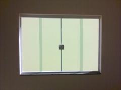 Janela 4 folhas em vidro temperado