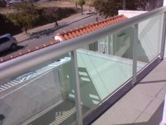 Guarda-corpo em vidro temperado