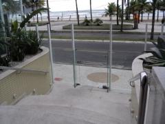 � s� atravessar a rua e esta na praia. apartamentos em praia grande � aqui