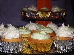 Cupcakes com cobertura buttercream limão e coco
