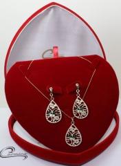 Conjunto pingente e brincos joias carmine - 10 camadas de ouro 18k - joias exclusivas