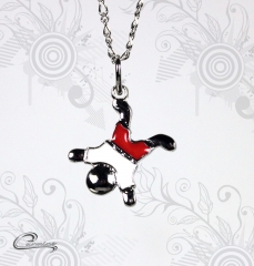 Pingente menino calvin esmaltado vermelho c/ corrente - folheado a rodio joias carmine