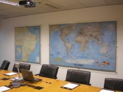 Mapa mundi clássico em paínel de acrílico - votorantim - sp
