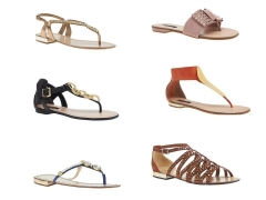 Varios modelos de sandálias rasteiras