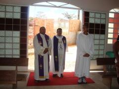 Sant�ario de santo expedito e nossa senhora destadora dos n�s - foto 2