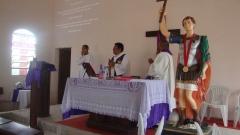 Sant�ario de santo expedito e nossa senhora destadora dos n�s - foto 3