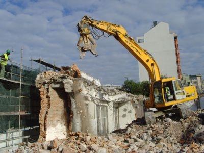 Serviços de demolição e desmontagem