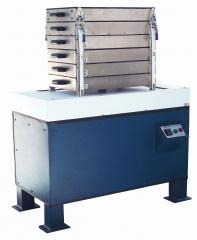 CLASSIFICADOR DE CAVACOS, Mod. CAV-Q, Equipamento desenvolvido para classificação de cavacos de madeira em laboratório. Norma Técnica SCAN-CM 40:01