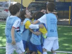A alegria de um gol em equipe!