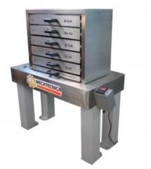 Classificador de cavacos de laboratório  linha celulose  equipamento para a classificação dimensional de cavacos de madeira em laboratório; estrutura/base fabricada em aço 1020 com pintura em epóxi; conjunto formado por: 6 bandejas, sendo: uma bandeja com diâmetro de 45 mm.; uma bandeja com 8 mm.; uma bandeja com diâmetro de 13 mm.; uma bandeja com diâmetro de 7 mm.; uma bandeja com diâmetro de 3 mm.; uma bandeja coletora de finos. estrutura das bandejas e grelhas em aço inox aisi 304; com timer programável de 5 a 20 min. com deslocamento horizontal de 120 +/- 2 mm. ciclo de freqüência de 160 +/- 10 por minuto fabricado conforme norma técnica scan 40:01 requer: rede elétrica 220 v. trifásica