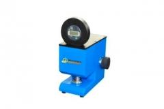Medidor de espessura (papel e cartÃo)  linha papel  modelo esp/pm-m equipamento para medir a espessurade papéis e cartões; *área de contato dos discos 2,00 +/0,05cm *pressão exercida dos discos 100 +/- 10 kpa; *velocidade de descida < 3 mm/s; *leitura digital milesimal (0,001 mm); *não requer energia eletrica, relógio a bateria; *atende as seguintes normas técnicas: abnt nbr nm iso 534